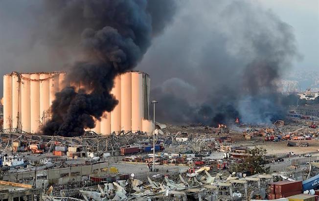 Gran explosión asola Beirut con decenas de muertos y miles deheridos