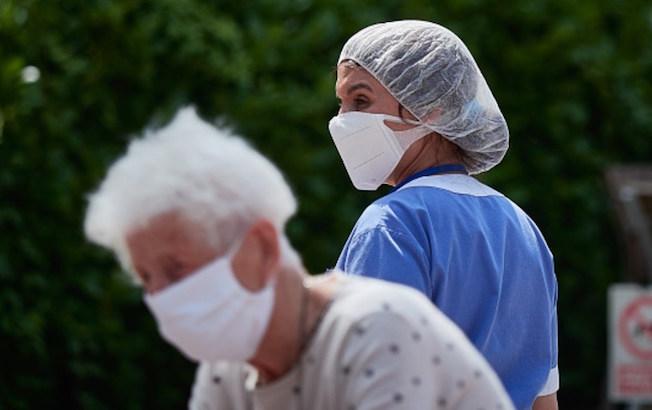 Estados Unidos registra más de dos mil muertes por COVID-19 en 24horas