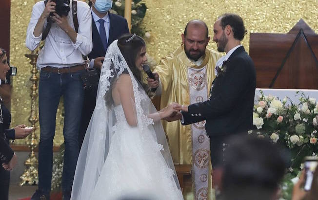 Critican a Camila Fernández por su boda en plenapandemia