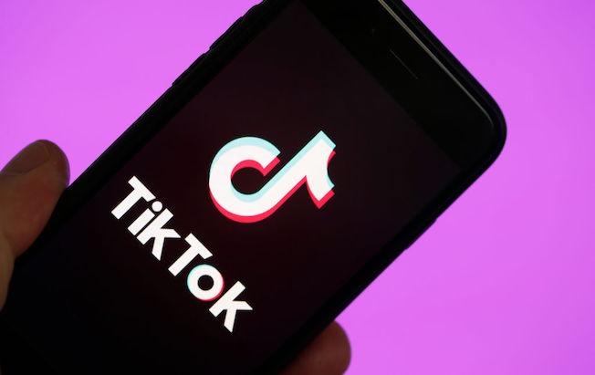 Twitter estaría interesado en adquirir red social TikTok, de acuerdo conWSJ