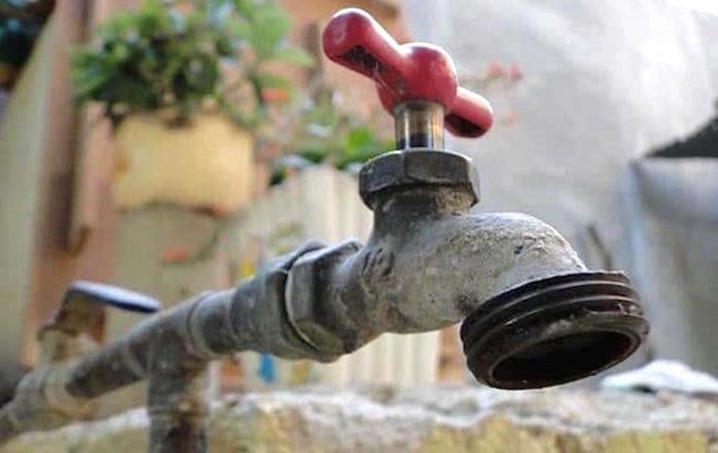 Continúa el desabasto de agua potable enTuxtla