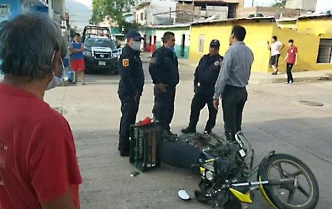 Arrolla auto a repartidor de tortillas en la BienestarSocial