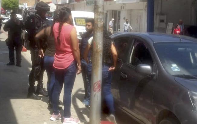 Hombres armados se llevaron 80 mil pesos deabarrotera