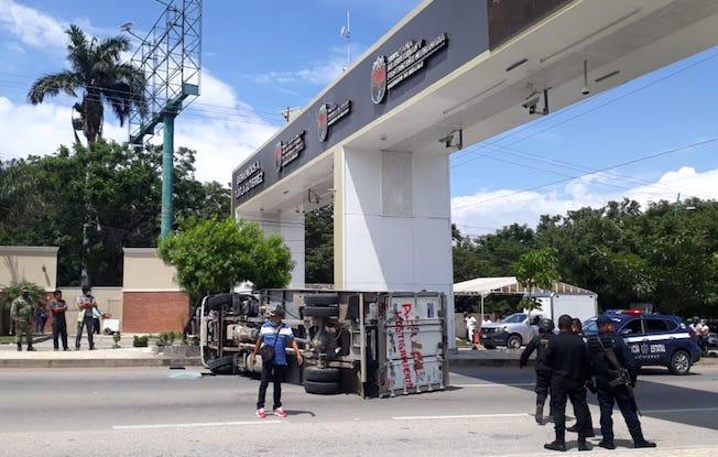 Continúan disturbios de estudiantes en TuxtlaGutiérrez