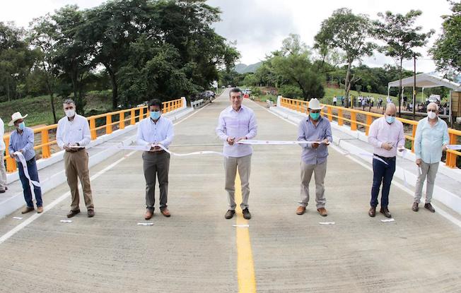 Entregó Rutilio Escandón el puente'Chincheta'