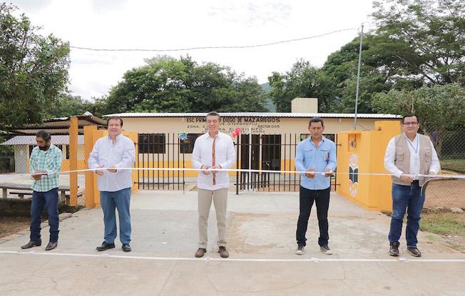 Inauguró gobernador aulas en escuela deVillaflores