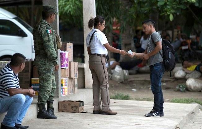 Rescata INM a dos menores salvadoreñas enChiapas