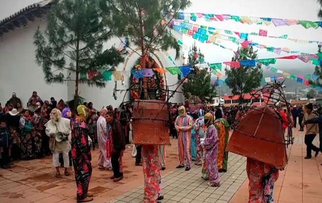 Arman multitudinaria fiesta patronal enZinacantán
