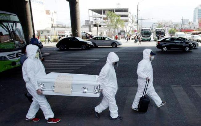 Número de muertos por COVID-19 supera los 900 mil a nivelmundial