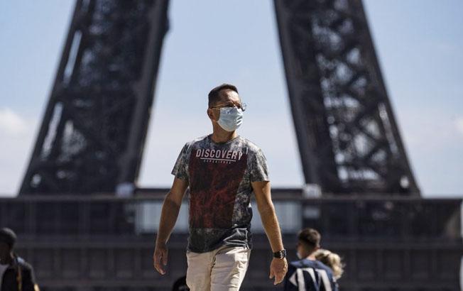 Francia reduce a siete días la cuarentena para los casospositivos