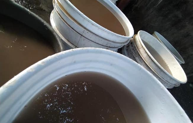 Reciben lodo en lugar de agua limpia enChiapa