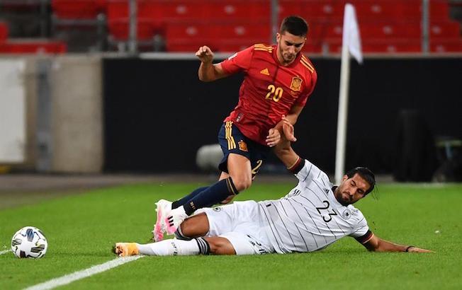 España firma un empate ante Alemania en el regreso de LuisEnrique