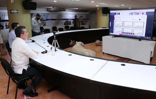 Participa Rutilio en reunión entre Conago yautoridades