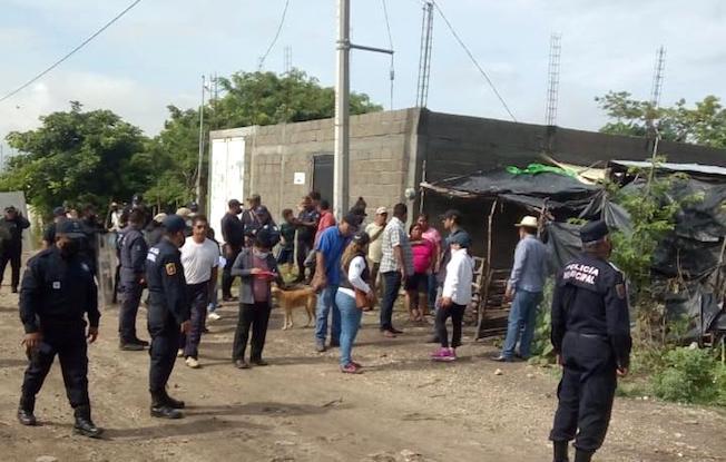 Desalojan viviendas en la colonia LaFortuna