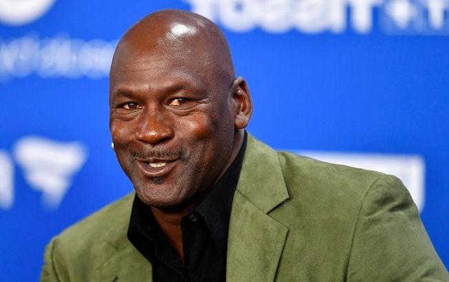 Michael Jordan compra un equipo de la SerieNASCAR