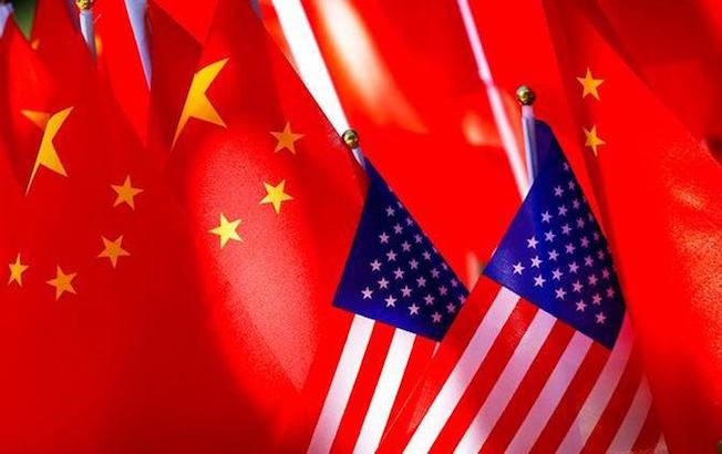 Estados Unidos revoca visados a miles dechinos