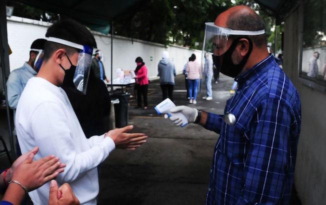 México supera los 700 mil casos de COVID-19; hay 73 milmuertes