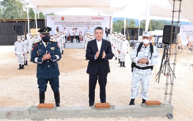 Pone Rutilio primera piedra de cuartel de GuardiaNacional