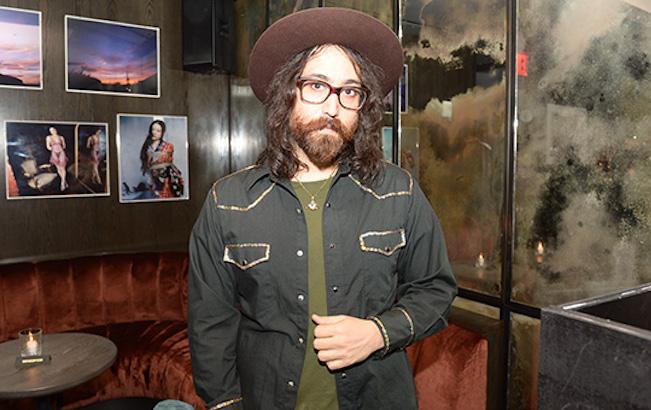 Hijo de John Lennon entrevista por primera vez a PaulMcCartney