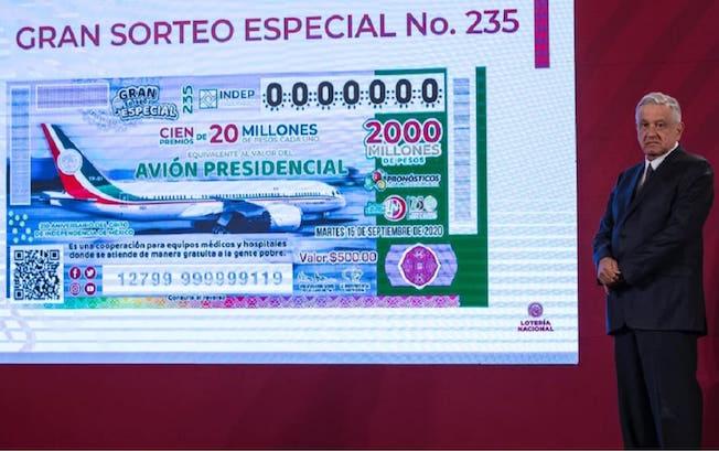 """Se llegó a meta de """"cachitos"""" vendidos para rifa de avión: LópezObrador"""