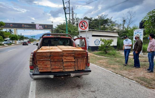 Despliegan operativo contra tráfico demadera