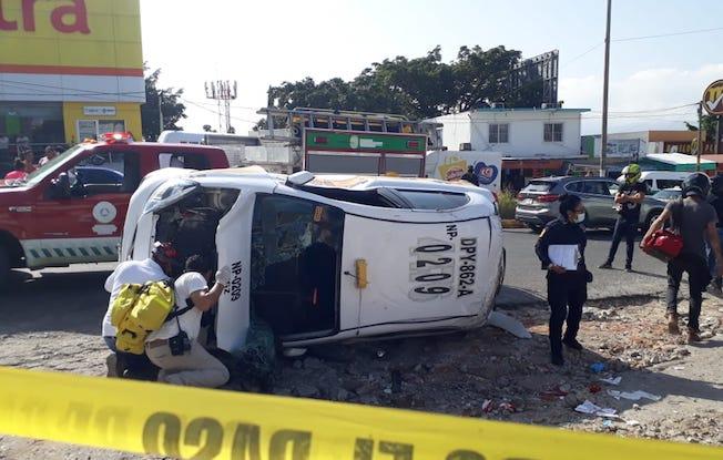 Se volcó un taxista ebrio; un niño resultólesionado